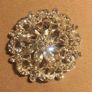 Vintage crystal silver tone flower brooch